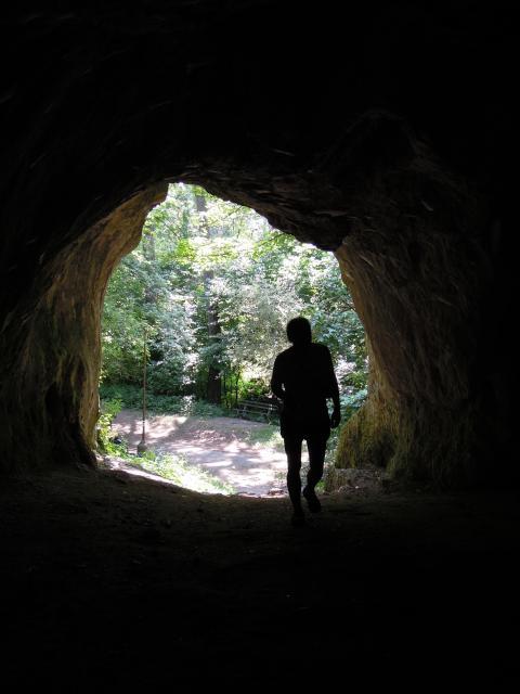V jeskyni Čertova pec
