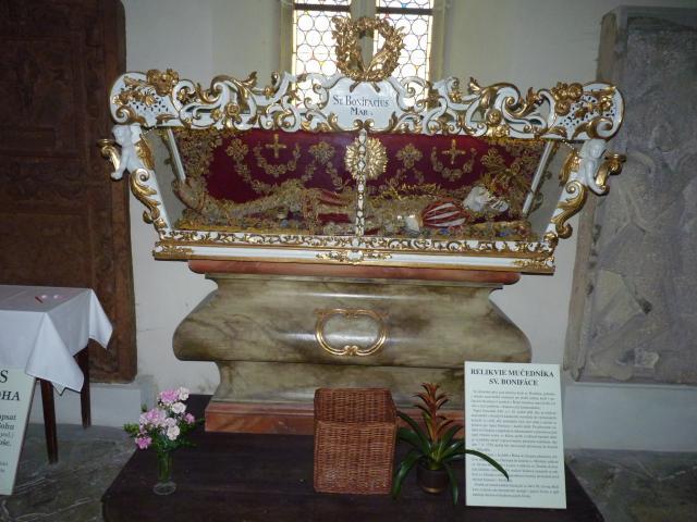 Kostel sv. Mikuláše - Relikvie sv. Bonifáce.